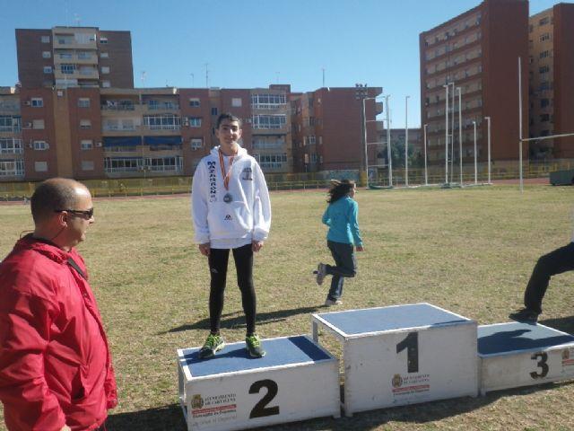 Álvaro Carreño campeón de lanzamiento de peso alevín en el campeonato regional de pista cubierta - 4, Foto 4