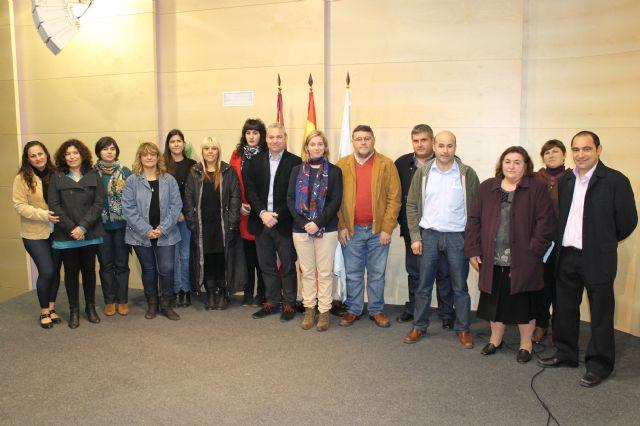 Entregadas por primera vez diversas subvenciones para las AMPAS del municipio - 1, Foto 1