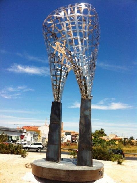 Lola Navarro embellece una rotonda de Murcia con una muela gigante - 2, Foto 2