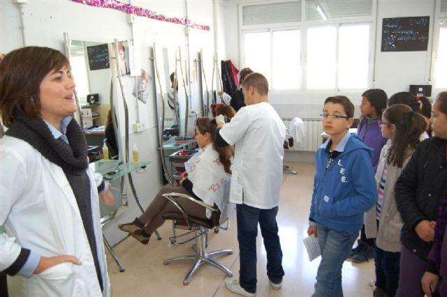 El IES Felipe II celebra unas jornadas de puertas abiertas para sus colegios adscritos - 2, Foto 2