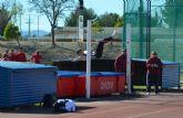 Fran Moreno Olivo se proclama campe�n absoluto regional de salto de altura