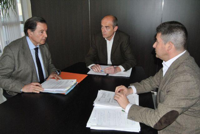 La Demarcación de Costas y el Ayuntamiento estudian posibles soluciones para mantener la actividad de La Lonja Mar Menor - 1, Foto 1