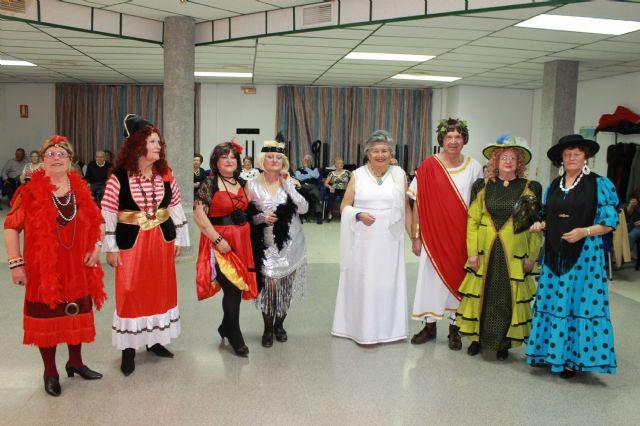 Los mayores también celebraron su propia fiesta de Carnaval, Foto 2