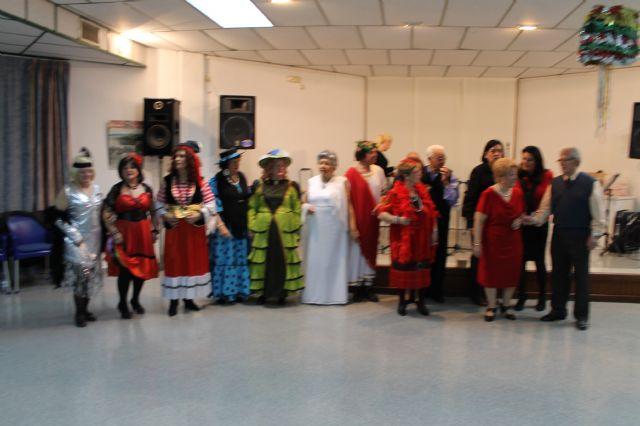 Los mayores también celebraron su propia fiesta de Carnaval, Foto 3