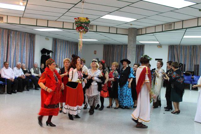 Los mayores también celebraron su propia fiesta de Carnaval, Foto 4