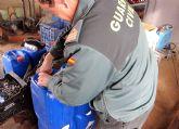 La Guardia Civil detiene a dos personas por comercializar y aplicar un fitosanitario ilegal