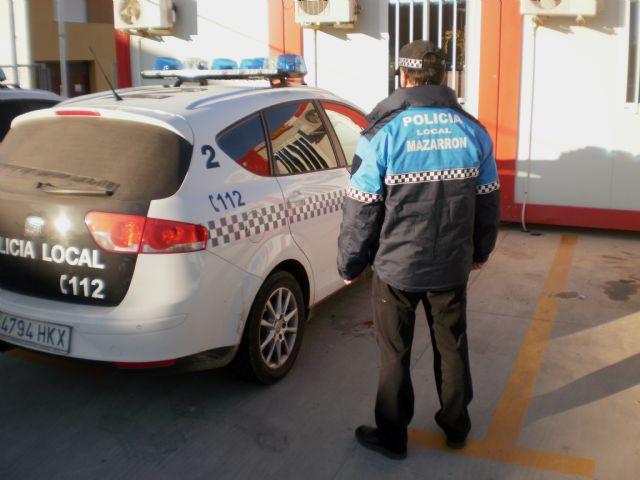 La policía local lucirá a partir de ahora el azul burgos en lugar del amarillo fluorescente - 1, Foto 1