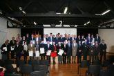 El alcalde de Alhama recoge, de manos del consejero de Obras P�blicas, el premio otorgado al Ayuntamiento enmarcado en los Premios de Calidad en la Edificaci�n
