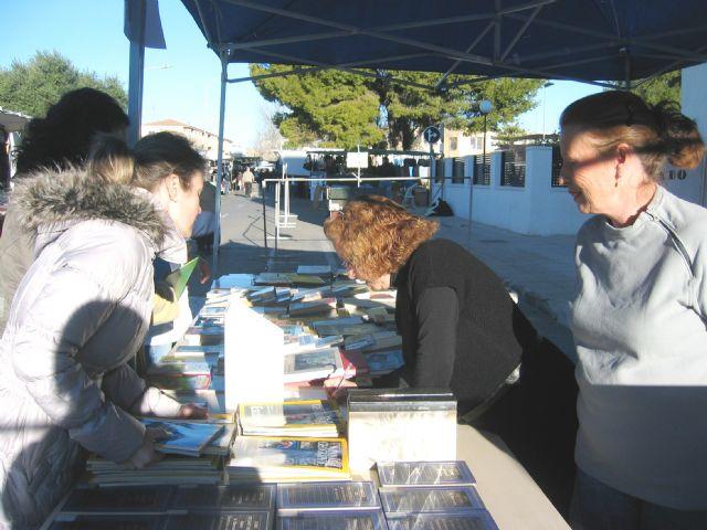 Voluntarios del Banco del Tiempo en la Biblioteca - 1, Foto 1
