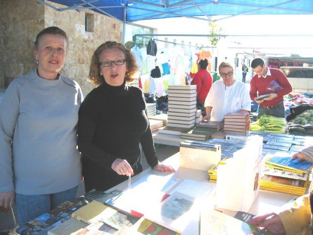 Voluntarios del Banco del Tiempo en la Biblioteca - 2, Foto 2