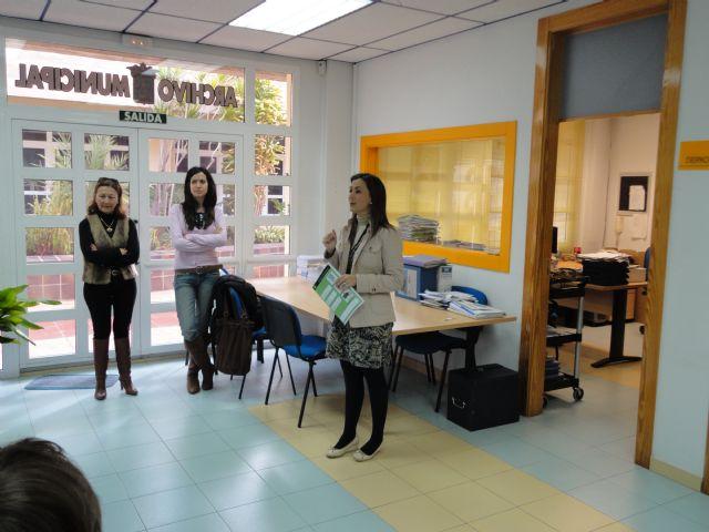 El Archivo Municipal recibe la visita de alumnos del Sierra Espuña, Foto 2
