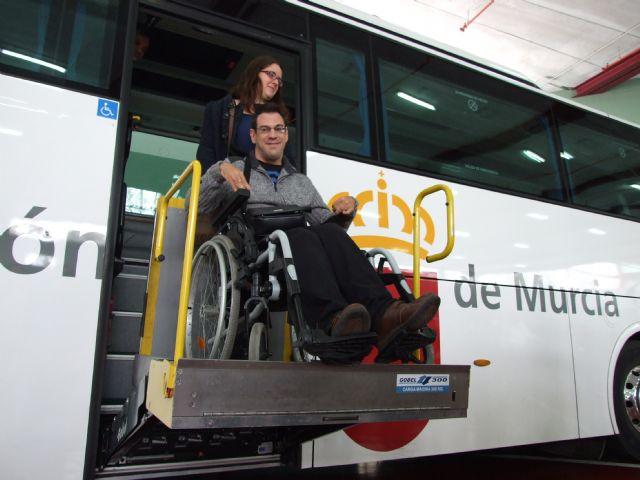 Personas con discapacidad intelectual disfrutarán de la flota de autobuses de la comunidad autónoma - 3, Foto 3