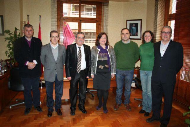 El alcalde mantiene una reunión previa al homenaje a las victimas del terrorismo que a nivel nacional se celebra en nuestra ciudad - 5, Foto 5
