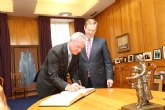 Valcárcel defiende ante la Presidencia irlandesa de la UE la necesidad de que se 'flexibilice el cumplimiento del déficit público'