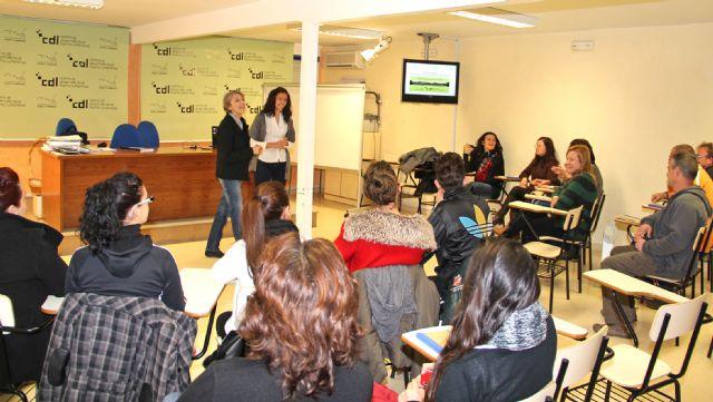 El Centro de Desarrollo Local imparte talleres teórico-prácticos de 'Habilidades Sociales' y 'Búsqueda de Empleo' - 1, Foto 1