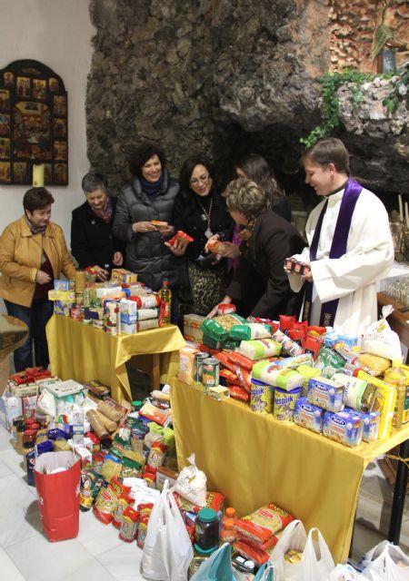 Comienza la Campaña Solidaria de Recogida de Alimentos en Semana Santa con la celebración del Triduo y Besapié en honor al Nazareno y la Esperanza - 1, Foto 1