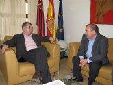 El consejero de Presidencia analiza con el alcalde de Moratalla los proyectos de restauración forestal de los daños ocasionados por los incendios