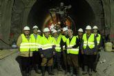 Los regantes del trasvase Tajo-Segura visitan las obras de reparación del túnel de Ulea