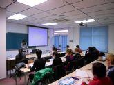 Empleo anuncia un nuevo curso de preparaci�n para las pruebas de libres de nivel b�sico de la Escuela de idiomas y oferta cursos de este idioma para comerciantes y camareros