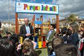 El Alcalde inauguró un parque infantil de 200 metros de juegos, en El Mirador