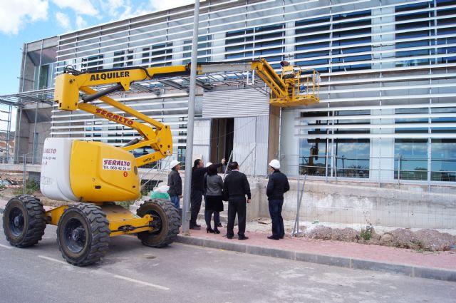 La alcaldesa visita el Centro de Salud Totana Sur, en la urbanización La Báscula, con el fin de conocer el desarrollo del estado de las obras - 1, Foto 1