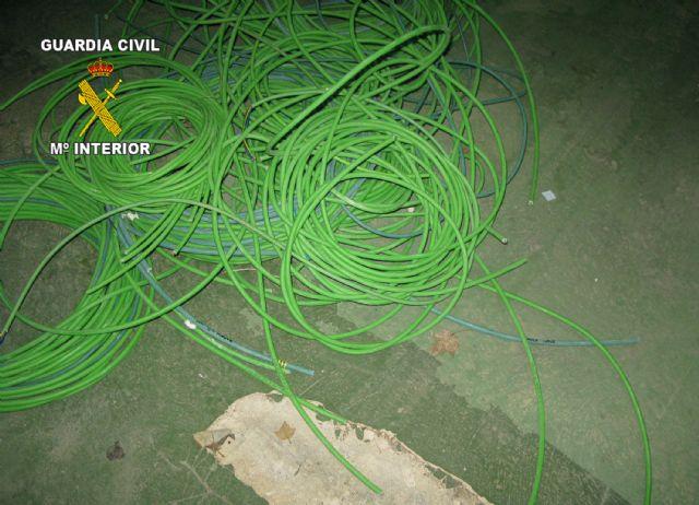 La Guardia Civil detiene a cuatro personas  por robos de cableado eléctrico, Foto 1