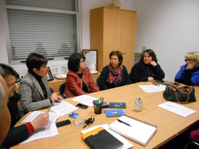 Se aborda la licitación del nuevo servicio de cafetería del Centro Social de Lébor con los vecinos de esta diputación - 1, Foto 1