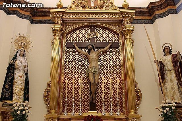 Autoridades municipales asisten al acto de bendición del nuevo retablo para la imagen del Santísimo Cristo de la Agonía - 1, Foto 1