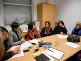 Se aborda la licitación del nuevo servicio de cafetería del Centro Social de Lébor con los vecinos de esta diputación