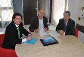 El Ayuntamiento colabora  con las universidades de Murcia y Santiago en un estudio sobre el uso de la posidonia en alimentación  para rumiantes