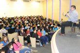 Carles Cano se re�ne con los alumn@s de sexto de primaria