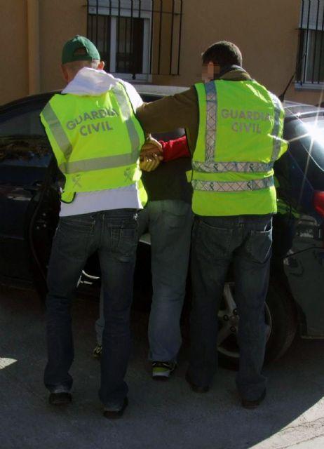 La Guardia Civil esclarece una trama de facturación fraudulenta de piezas de recambio, Foto 1