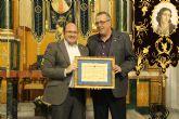La Cofradía de la Stma. Virgen de los Dolores otorgó el título de 'Nazareno del Año' al Alcalde de Puerto Lumbreras