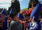 La Guardia Civil escolta el paso del Cristo del Amor en su procesión del Viernes de Dolores