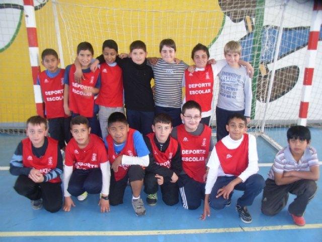 La concejalía de Deportes organizó la segunda jornada de la fase local de futbol sala alevín de Deporte Escolar - 2, Foto 2