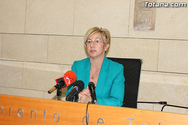 PSOE: La Alcaldesa demora la aprobación definitiva del Presupuesto 2013 para endeudar más al Ayuntamiento - 1, Foto 1