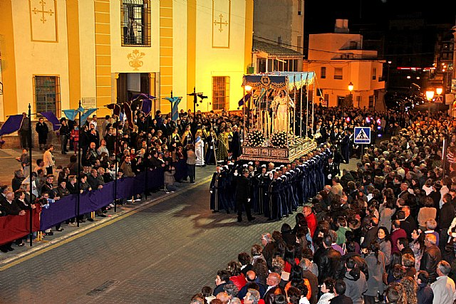 La Virgen de Los Dolores mostró su esplendor durante la Procesión del Dolor y del Santo Entierro 2013 - 1, Foto 1
