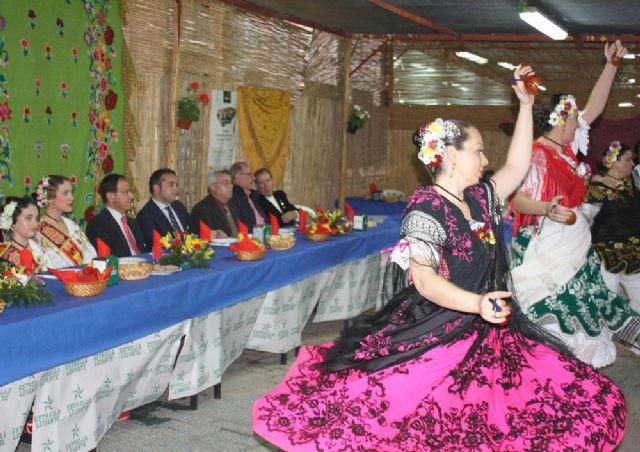 Cámara preside la inauguración de las barracas acompañado por las Reinas de la Huerta 2013 - 1, Foto 1