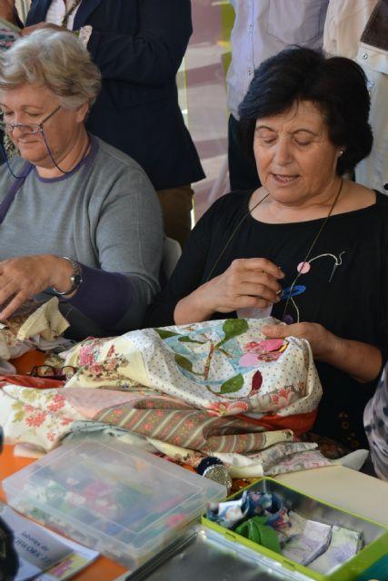 La asociación de Patchwork de San Pedro del Pinatar realiza sus trabajos en la calle - 3, Foto 3
