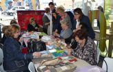 La asociación de Patchwork de San Pedro del Pinatar realiza sus trabajos en la calle
