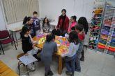 Éxito de un nuevo taller juvenil de manualidades en Las Torres de Cotillas