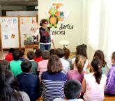 La escritora murciana Marisa López protagoniza  un encuentro literario en Puerto Lumbreras