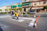 La concejalía de Servicios y Mantenimiento realiza trabajos de repintado de la señalización horizontal en la Avenida Juan Carlos I