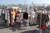 Alumn@s y ciudadanos brit�nicos dialogan en ingl�s durante las jornadas culturales de la EOI en Mazarr�n