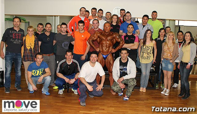 Ramon Gonzalez, Arnold Classic Champion Absolute Master, a seminar offered in Totana Nutrition, Foto 1