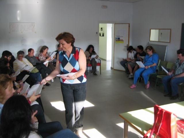 El Banco del Tiempo celebró un taller de autoestima y comienza otro sobre teatro leído - 1, Foto 1