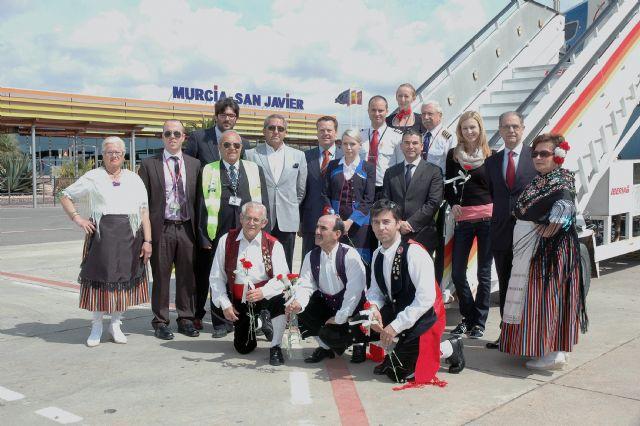 El proyecto europeo de Turismo Senior se estrena en el Mar Menor con la llegada del primer vuelo procedente de Praga con 180 personas - 1, Foto 1