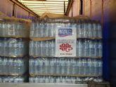 Aquadeus dona un cami�n de agua a C�ritas