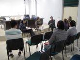 Servicios Sociales da charlas de acogida a inmigrantes en proceso de reagrupación familiar