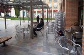 La alcaldesa dicta un bando para que se aplique una reducción del 50% en la tarifa anual de ocupación de la vía pública con mesas y sillas a los establecimientos hosteleros, en la tasa por utilización o aprovechamiento del dominio público